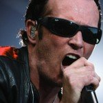 Scott Weiland, former frontman Stone Temple Pilots, found dead on tour bus