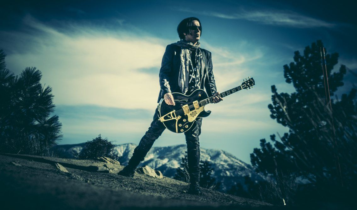 Goth rock stars united on solo debut Mark Gemini Thwaite (The Mission, Peter Murphy, Tricky, ...) incl. Wayne Hussey, Ville Valo (HIM), ...