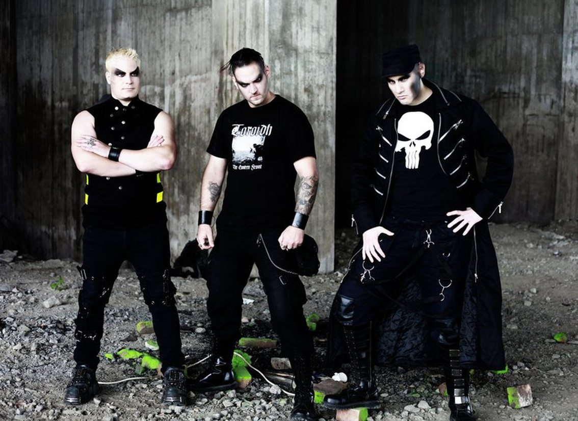 Swedish harsh EBM act TraKKtor departs on small US tour in August
