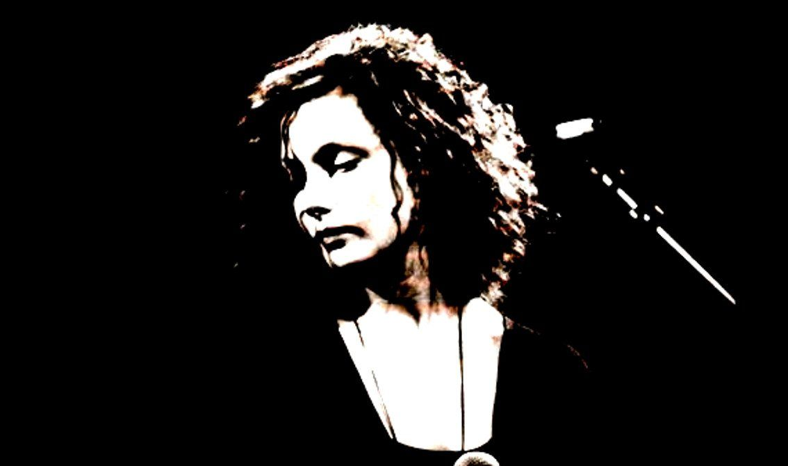 Caroline Crawley (This Mortal Coil) has passed away, another great talent gone this year