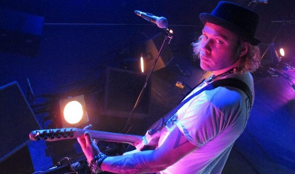 Fields of the Nephilim / Adam Ant guitarist Tom Edwards dies aged 41