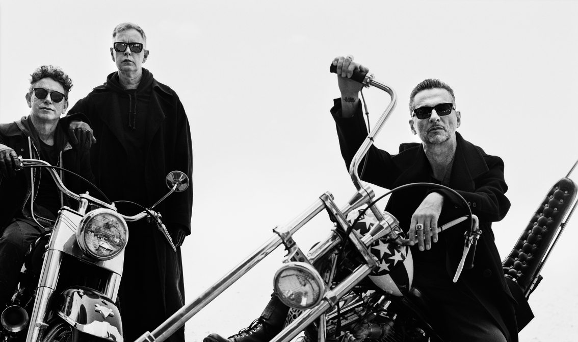 "Win a duo ticket for the Depeche Mode ""Spirit"" pre-listening party on 16/3 in Brussels"