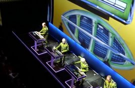 Ever wondered what those 4 Kraftwerk dudes are exactly doing behind their keyboards? Check this video!