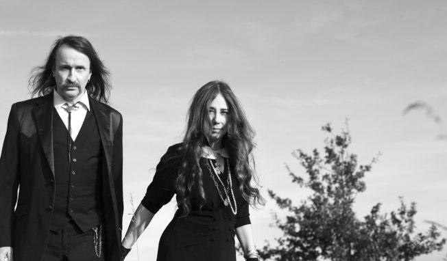 Alexander Hacke (Einstürzende Neubauten) and Danielle de Picciotto (Space Cowboys) return with Hackedepicciotto project for 'Menetekel ' 2LP