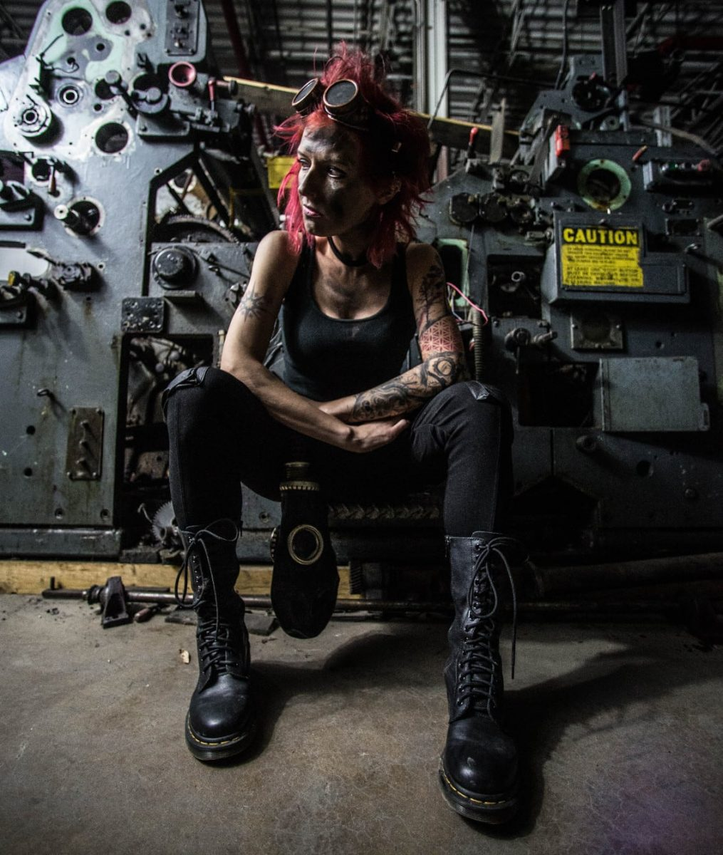Industrial/Electro artist I Ya Toyah premieres video new single'Farewell-Mirrors Don't Lie' on Side-Line