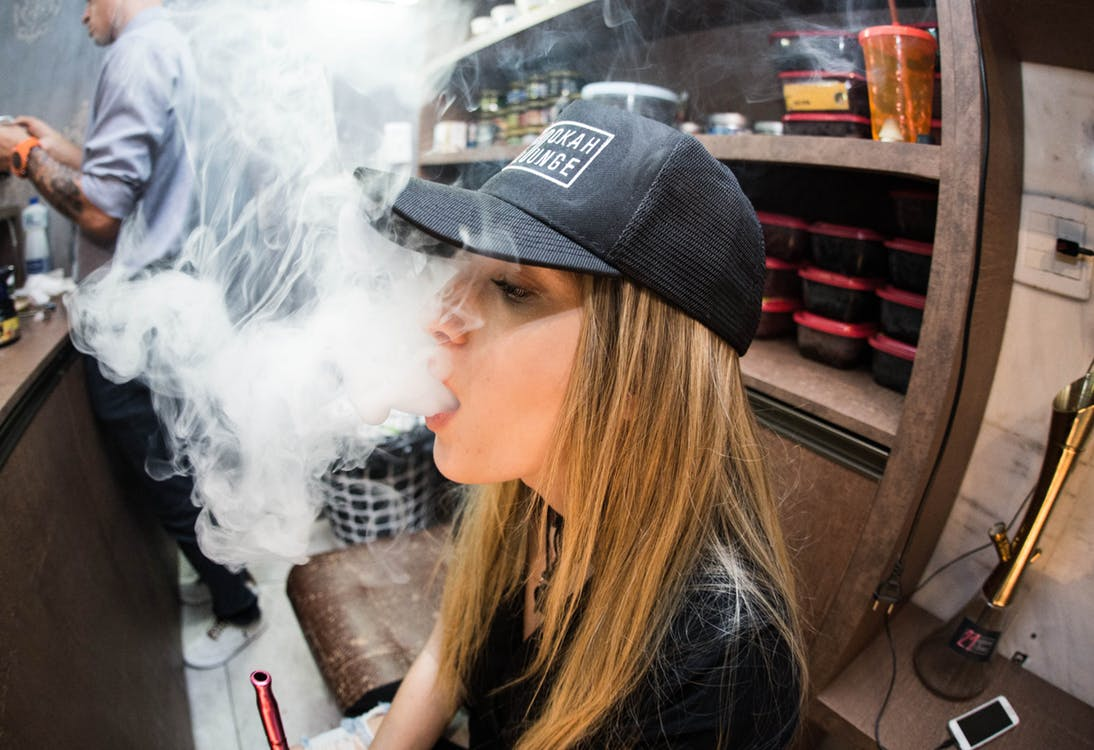 Are Musicians Switching from Smoking to Vaping?
