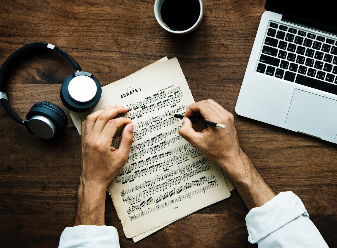 The Ultimate Guide on How to Write Perfect Music Review