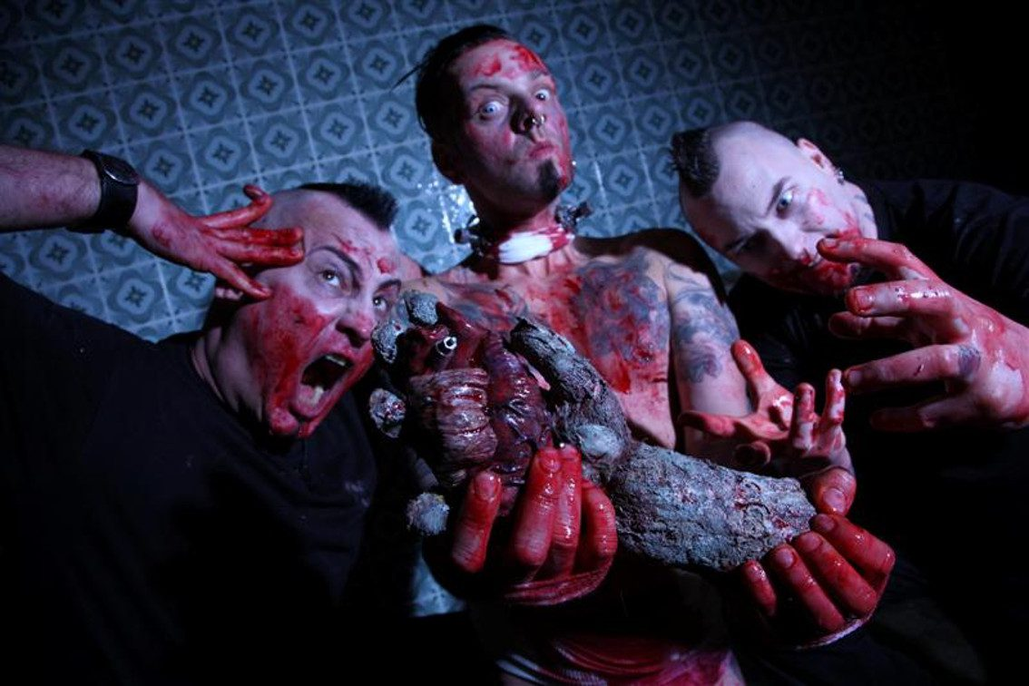 Agonoize returns with 'Blutgruppe Jesus (-) / Schmerzpervers 2.0' mini CD - watch the video