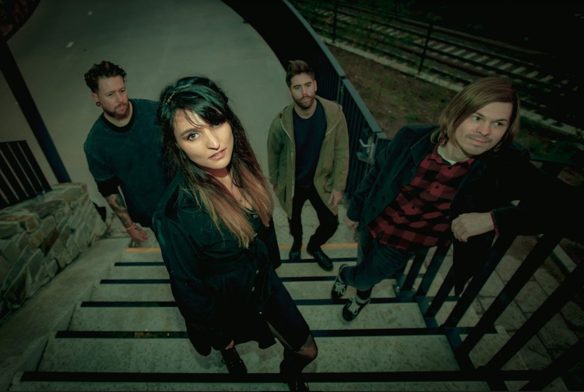 Belgian shoegaze act Slow Crush to reissue out-of-print 'Aurora' LP + New 'Aid & Abet' video