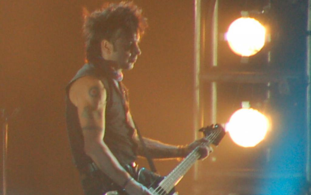 The Cure bassist Simon Gallup quits the band after 40 years:'Done with the betrayal'