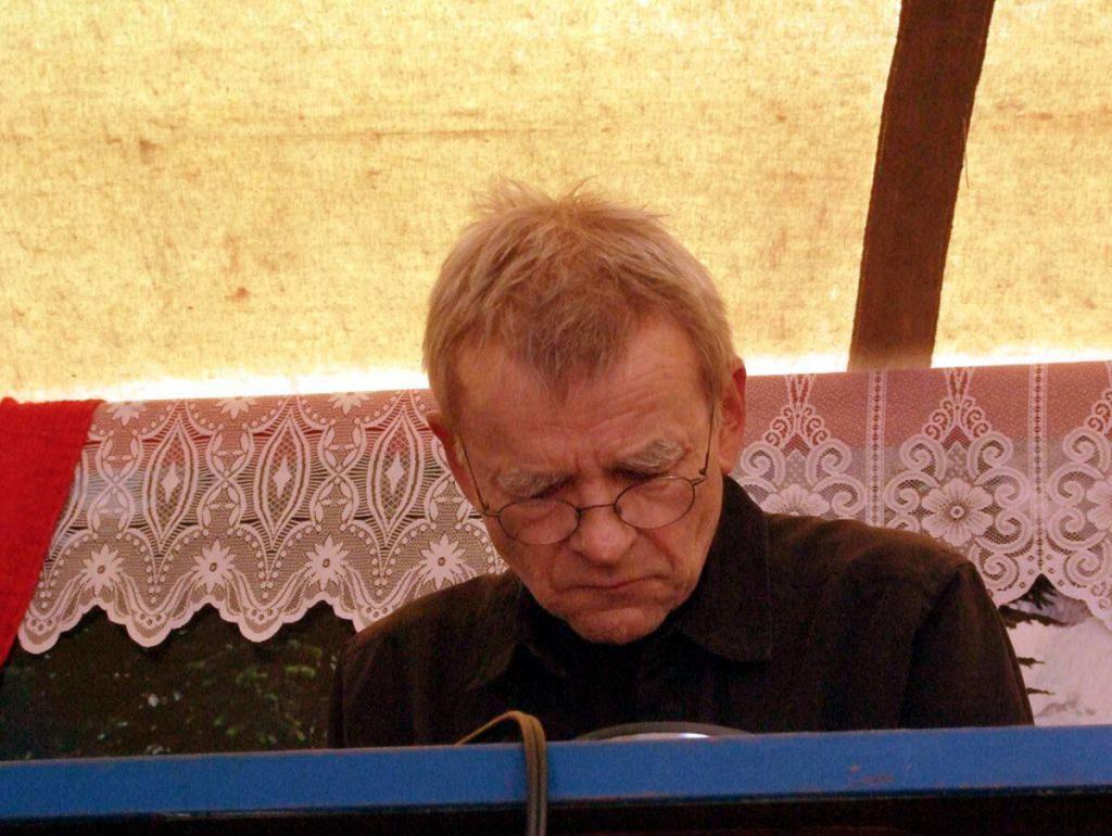 Tim Story releases tribute to sound pioneer Dieter Moebius: 'Moebius Strips'