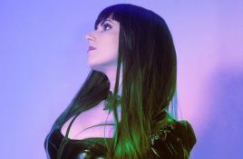 Gothic pop act Eva X launches a brand new video: 'Machine'