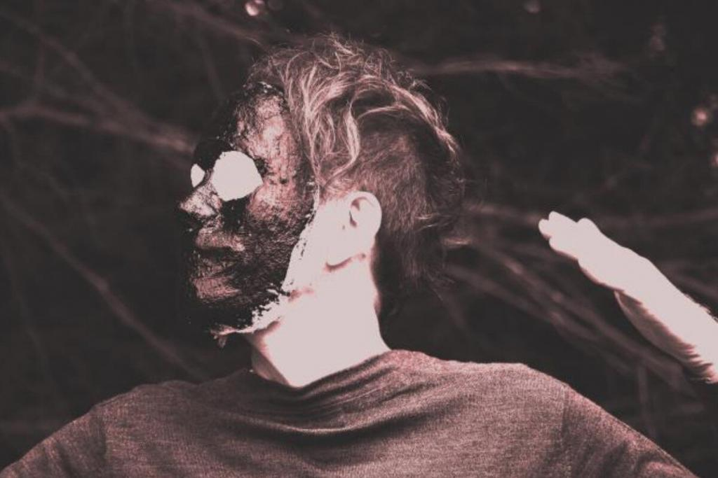 Vlimmer releases debut album, and it's full electronics