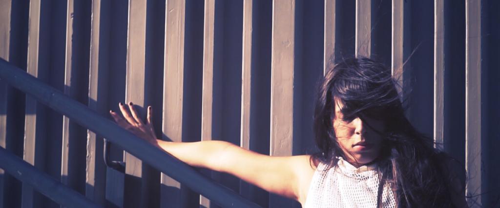 Daniela Diaz dancer videoclip Psy'Aviah Sunbird