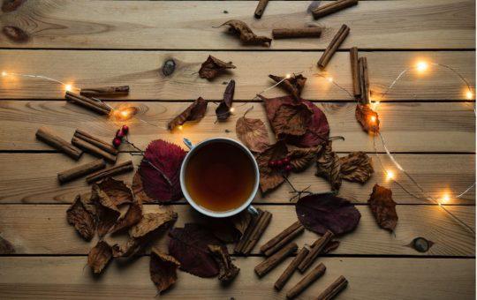 20 Fun, Flirty, Fall Date Ideas